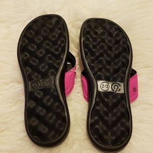 49d985315831 Champion Shoes - NWT Girls  Marguerite Sport Memory Foam Flip Flop